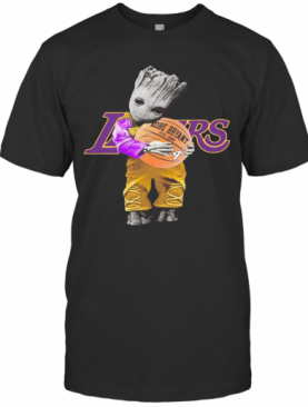 BABY GROOT LAKERS HUG KOBE BRYANT BASKETBALL SIGNATURE T-Shirt