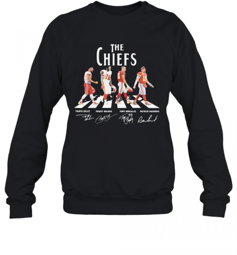 The Chiefs Abbey Road Players Signatures T-Shirt Unisex Sweatshirt