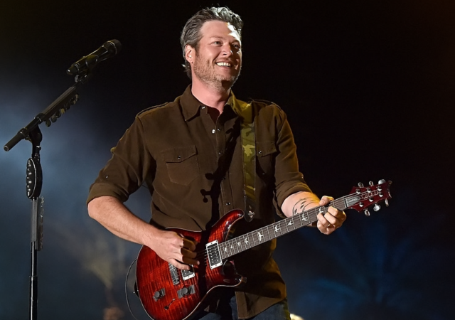 Blake Shelton Reveals He Lies To The Voice Coaches In hilarious Look At Season 19